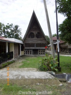 One of the Batak houses on the way.