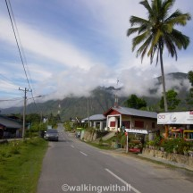 On the way to Tomok.
